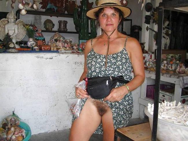 Порно без трусов фото