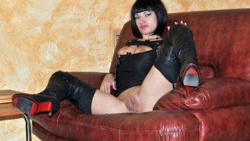 Голая Ирина